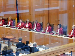Verfassungsgericht prüft Klage: Verbeamtete Lehrer kämpfen um Streikrecht