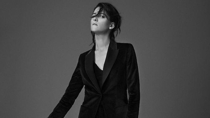 """Kat Frankie klingt auf ihrem neuen Album """"Bad Behaviour"""" poppiger denn je und mindestens genauso gut wie immer."""