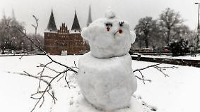 Viel Schnee in der Nacht: Kalte Temperaturen haben den Sonntag im Griff