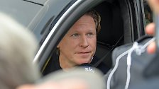 ... in Hamburg fährt Trainer Markus Gisdol endgültig vom Hof ...