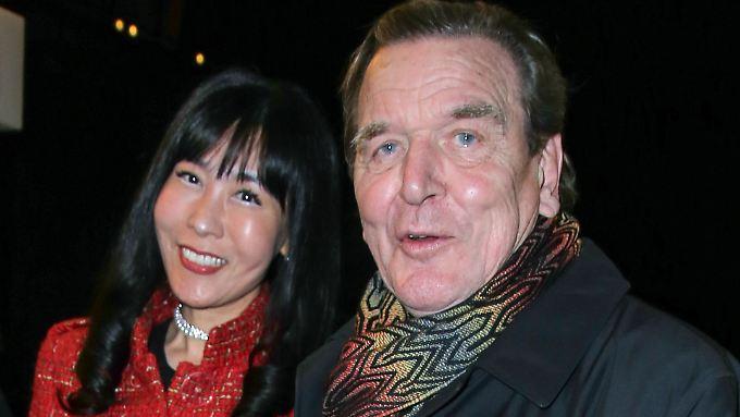 Eine neue Liebe ist wie ein neues Leben: Gerhard Schröder und Soyeon Kim.