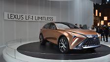 Solch konkrete Daten über den Antrieb verrät Lexus nicht, die Toyota-Tochter verspricht lediglich, dass der LF-1 Limitless sowohl von einer Brenstoffzelle als auch rein batterielektrisch, ...