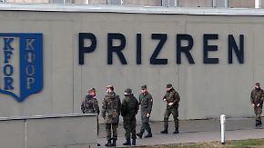 Neu geboren, gezeichnet vom Krieg: Vergangenheit zerreißt junge Republik Kosovo