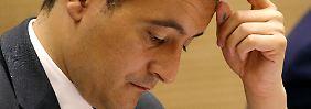 Der Vergewaltigung beschuldigt: Druck auf französischen Minister wächst