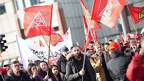 Nächste Eskalationsstufe im Arbeitskampf: IG Metall ruft zu 24-stündigen Warnstreiks auf