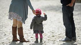 Wer sich für Kinder entscheidet, setzt sich und seine Familie einem Armutsrisiko aus.