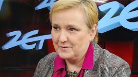 Roza von Thun berichtet in dem Film, wie Polen sich immer mehr von West-Europa entfernt und nationalistisch wird.