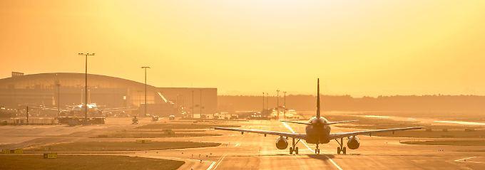 Eine mehrstündige Verspätung bei Charterflügen gilt als Reisemangel .