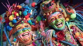 Friedlicher Start in jecke Woche: Karnevalisten übernehmen das Kommando