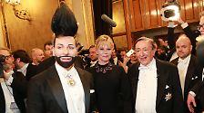 Hoppala, wer tanzt denn da?: Der Opernball: Lugner, Griffith und eine Nackte