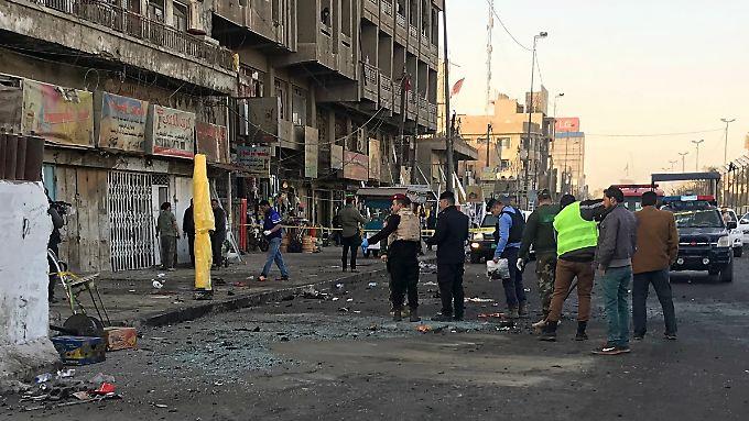 Kaputte Straßen, Krankenhäuser und Schulen - der Irak ist vom Krieg gegen den IS gezeichnet.