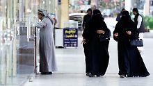 Frauenrechte in Saudi-Arabien: Geistlicher zweifelt an strikter Verschleierung