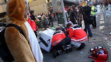 Geschlagen, getreten, beworfen: Einsatzkräfte bei Karnevalsfeiern angegriffen