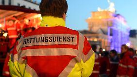 Bundesweit werden immer wieder Angriffe auf Rettungskräfte gemeldet.