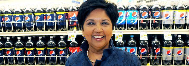 Leitet den weltbekannten Brausekonzern: Pepsico-Chefin Indra Nooyi.