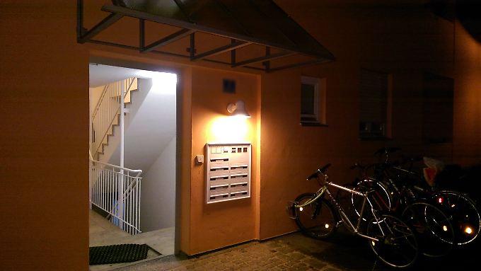 In diesem Wohnhaus im bayrischen Petershausen hat die Polizei zwei Frauenleichen gefunden.