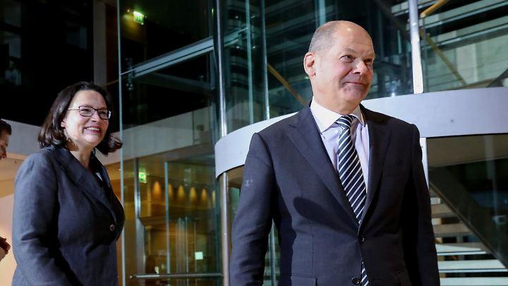 Nach dem Willen von SPD-Präsidium und Vorstand soll Olaf Scholz die Partei kommissarisch führen. Nahles muss auf einen Sonderparteitag am 22. April warten.