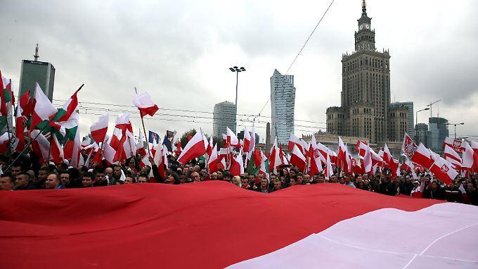 Die Regierungspartei PiS will ein ausschließlich positives Geschichtsbild des Landes etablieren.