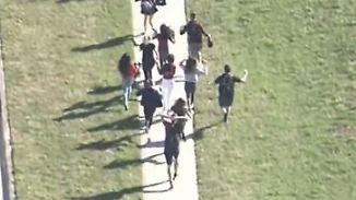 Massaker an US-Schule: Jugendlicher erschießt 17 Menschen in Florida
