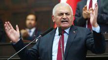 """Ministerbesuch aus der Türkei: Özdemir warnt vor """"schmutzigen Deals"""""""
