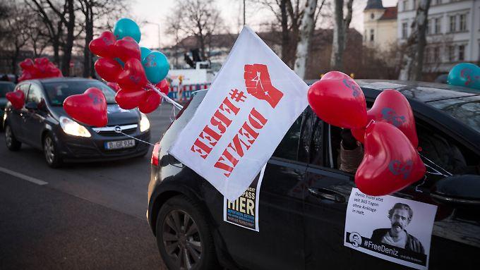 Ringen um inhaftierten Journalisten: Türkischer Ministerpräsident deutet baldige Freilassung Yücels an