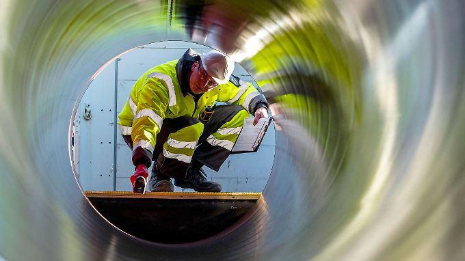 Die Rohre liegen bereit - aber Nord Stream 2 stößt auf Widerstand.