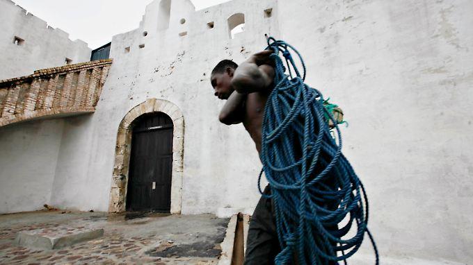 Cape Coast Castle steht bis heute als Symbol für den Sklavenhandel von Westafrika aus.