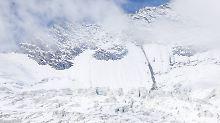 Zwei Verletzte im Wallis: Lawine überrascht Schweizer Wandergruppe