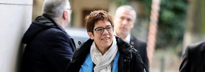 Enge Vertraute von Merkel: Kramp-Karrenbauer soll CDU-Generalsekretärin werden
