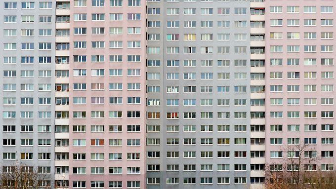2017 gab es nur noch 1,223 Millionen Sozialwohnungen und damit rund 46.000 weniger als im Vorjahr.