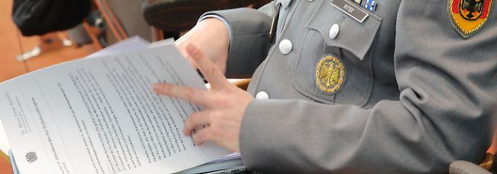 """Jahresbericht zur Bundeswehr: """"Beschaffungswesen"""" blockiert die Truppe"""
