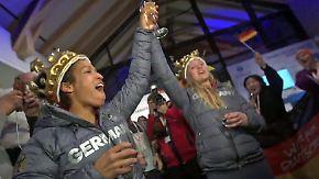 Olympische Überraschungssieger: Deutsche feiern Bob-B-Team und Eishockey-Underdogs