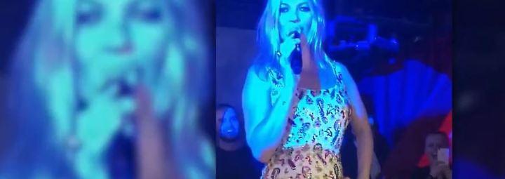 Promi-News des Tages: Kate Moss springt aus Papptorte und haucht Ständchen