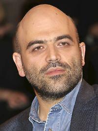 """Roberto Saviano lebt seit seinem Tatsachenbericht """"Gomorrha"""" unter ständigem Polizeischutz."""