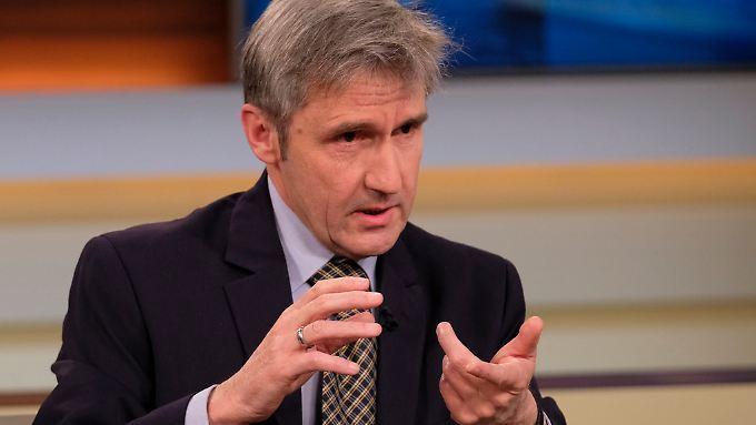"""Frank Richter - hier bei einer Sendung von """"Anne Will"""" - fordert von der Politik, den Bürgern zuzuhören."""