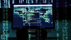 Kritik an interner Informationspolitik: Hacker spionieren Bundesregierung aus