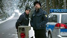 """Mörderische Provinzcops mit kaputten Radarfallen dürfen in """"Waldlust"""" natürlich nicht fehlen."""