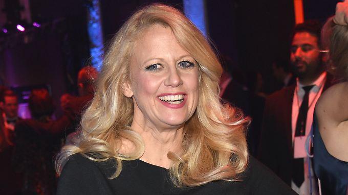 Barbara Schöneberger ist für ihren Humor bekannt. Jüngstes Opfer: Heidi Klum.