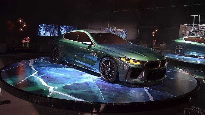 Mit der Studie zum gibt BMW in Genf einen Ausblick auf sein kommendes Luxus-Coupé.