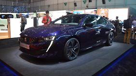 Der Peugeot ist in seiner Neuauflage engetreten, Audi A5 und BMW 4er Gran Coupé die Kundschaft streitig zu machen.