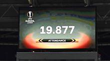 Nicht einmal zur Hälfte gefüllt: aber die, die im Leipziger Zentralstadion waren, kannten sich. Auch schön.