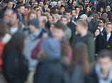 Mehr Deutsche verlassen das Land: Einwohnerzahl steigt durch Zuwanderung