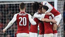 Titel-Traum lebt weiter: Welbeck schießt Arsenal ins Viertelfinale
