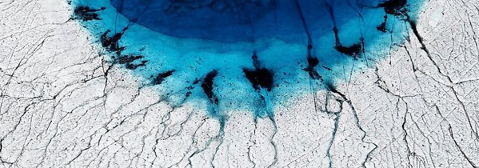 Grönland verliert Eis schneller: Schmelzwasser lässt Gletscher rutschen