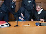 Dreifachmord von Villingendorf: Polizistin bricht vor Gericht in Tränen aus