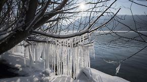 Eiskalt unter blauem Himmel: Sonne vertreibt Schnee gen Süden
