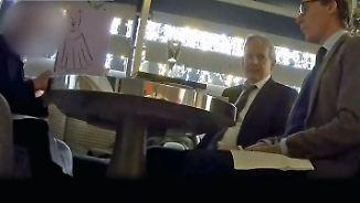 Vor versteckter Kamera: Cambridge-Analytica-Chef ruft zu Erpressung auf