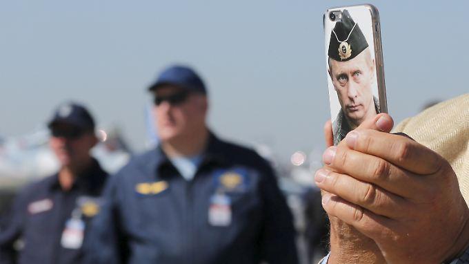 Obacht: Auch die richtige Handyhülle dürfte in Russland kaum ausreichenden Schutz bieten.