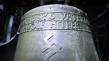Herxheims Kreuz mit der Glocke: Und ewig grüßt Herr Hitler