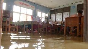 Schwieriger Alltag inmitten der Fluten: Indonesien versinkt zunehmend im Meer